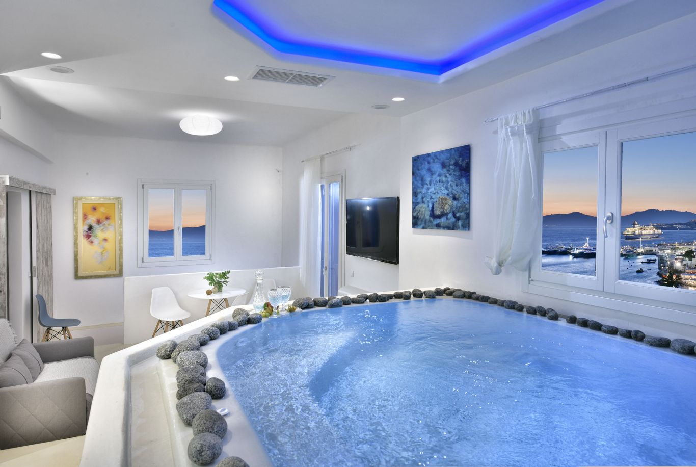 Upper Floor Room With Jacuzzi | Elegant